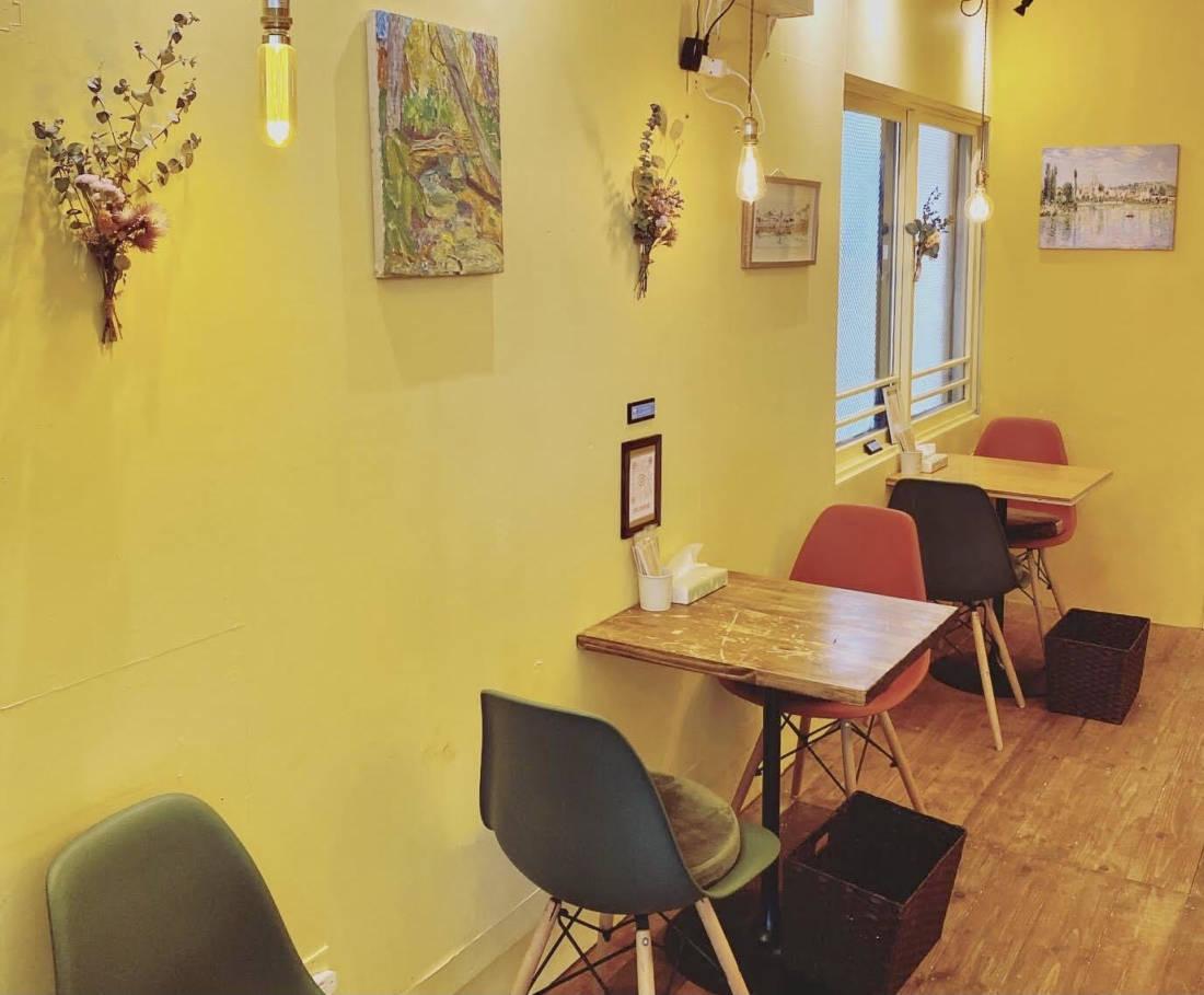 Inside Niseko Cafe Creperiz
