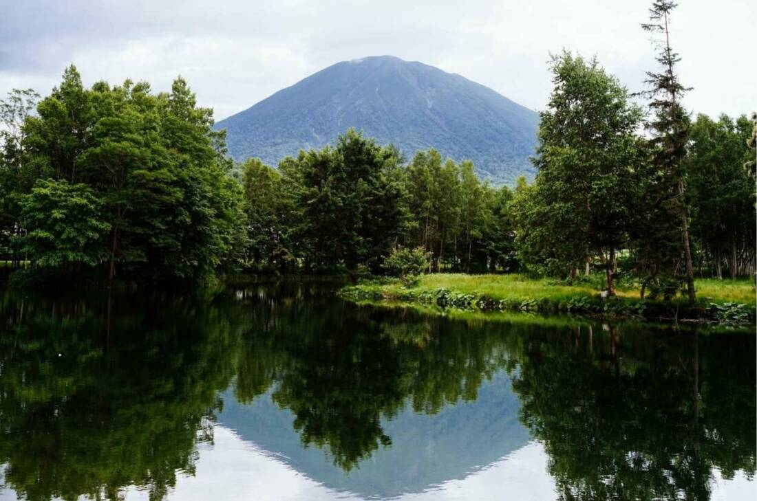 Yotei Lake Summer