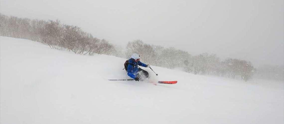 Miha telemark skiing in Niseko