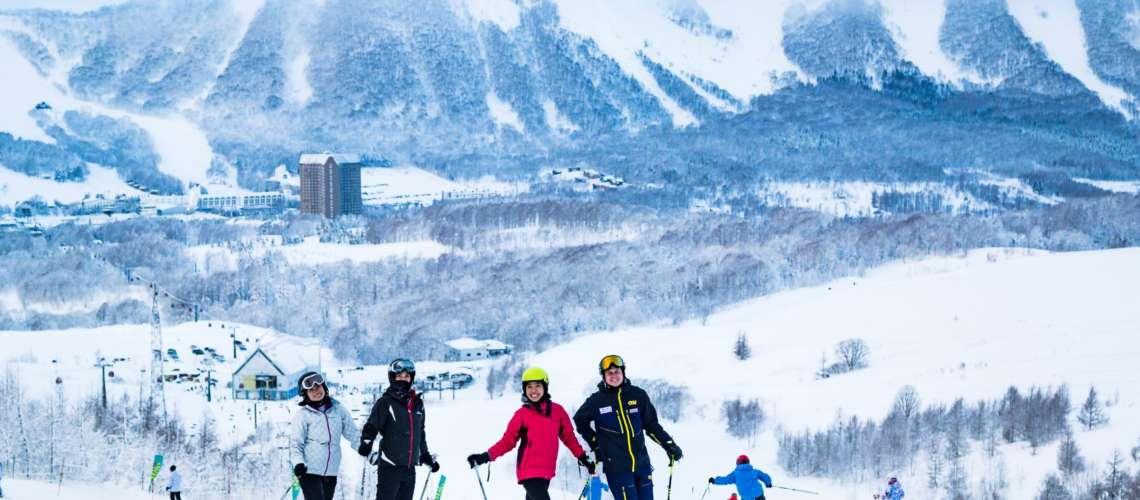 Hokkaido Ski Club Instructor with guests in Rusutsu